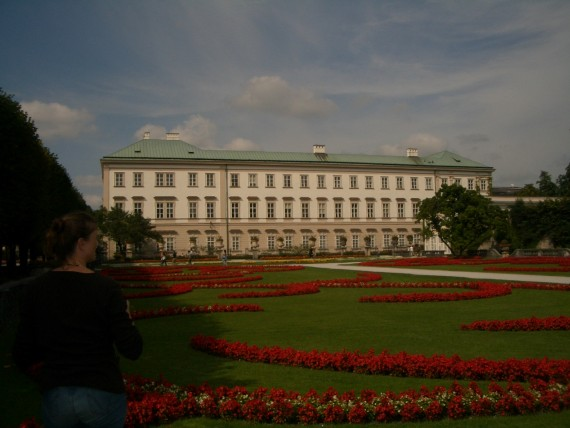 建物だけなく庭園も美しいミラバル宮殿