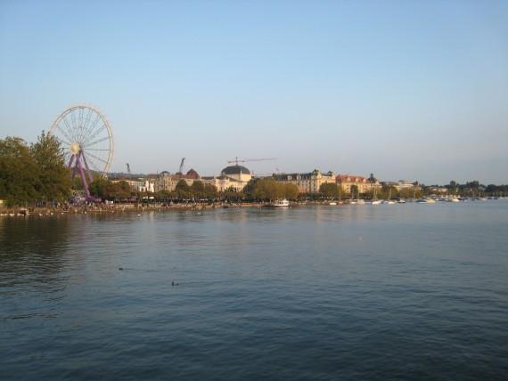 チューリッヒ市民の憩いの場でもあるチューリッヒ湖