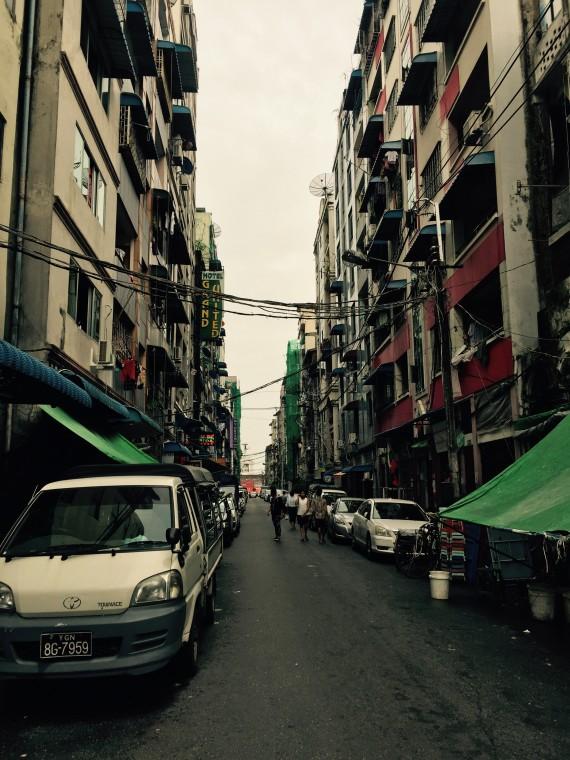 ヤンゴンダウンタウン