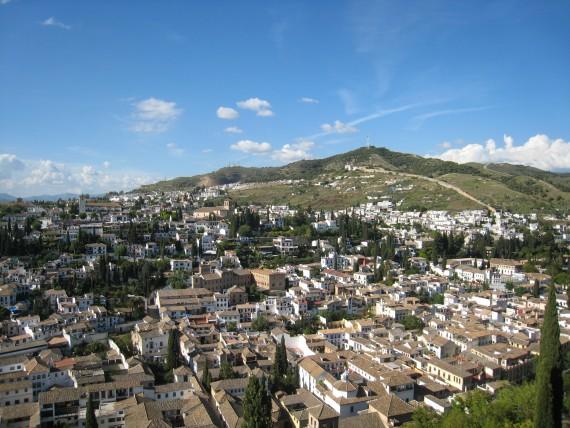 宮殿から眺める街の景色も素晴らしいです。