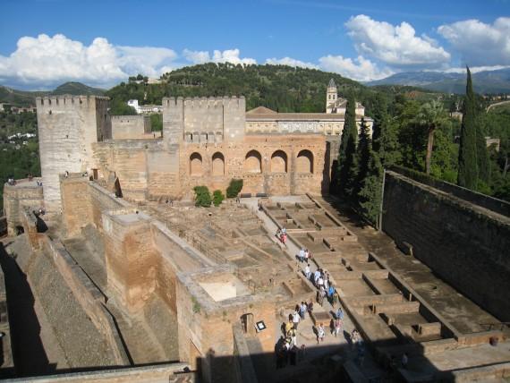 アルハンブラ宮殿の中でも最も歴史が古い建物であるアルカサバ