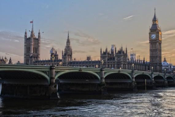 London-570x380