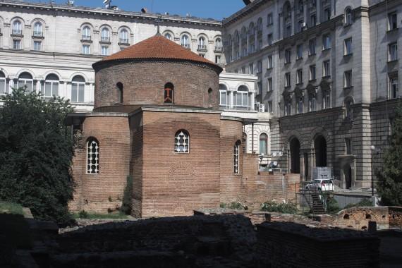 独特の円形構造が魅力な聖ゲオルギ教会