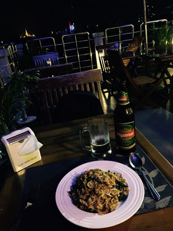 ヤンゴン夜
