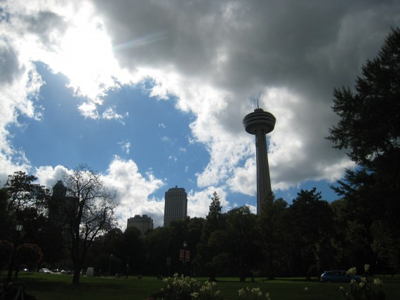 ナイアガラフォールズ全体を見下ろすことができるスカイロンタワー