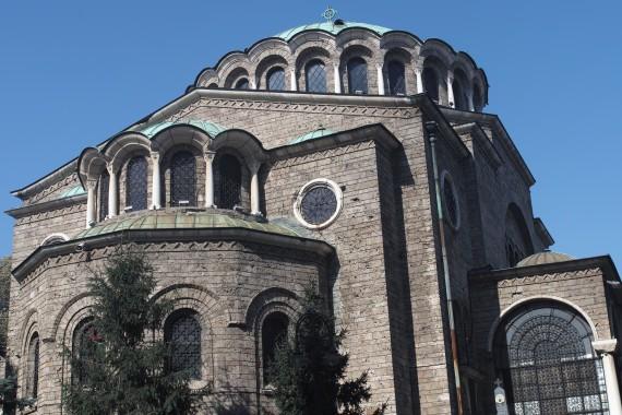 ソフィアにあるブルガリア正教の代表的な教会で聖ネデリャ教会