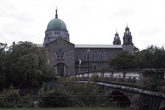 街のランドマークであるゴールウェイ大聖堂